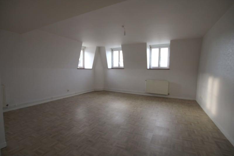 Appartement F3 à louer dans le centre-ville de Grand-Couronne - Image 2