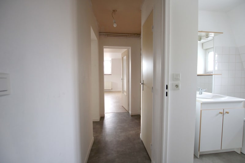 Appartement F3 à louer dans le centre-ville de Grand-Couronne - Image 7