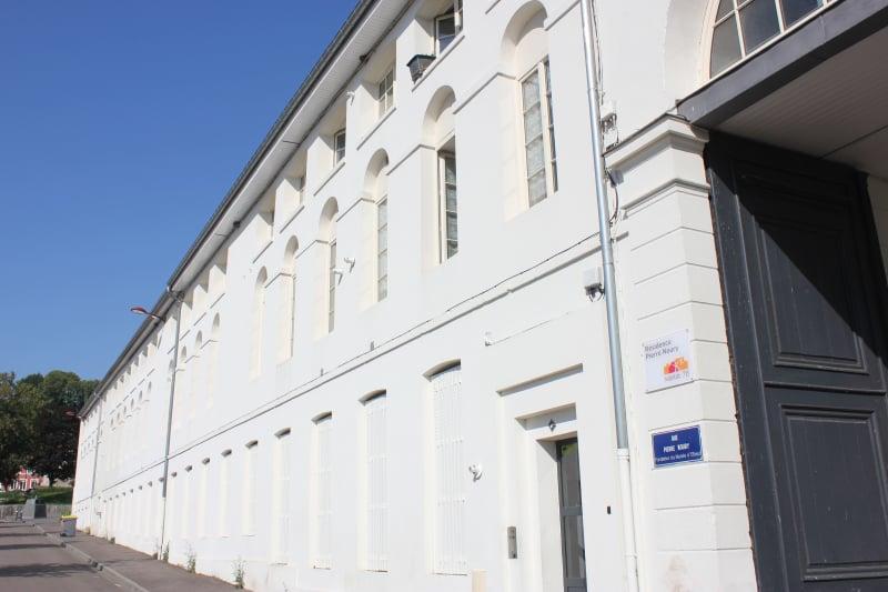 Appartement très lumineux, Petite résidence de charme, proche Seine à Elbeuf - Image 1