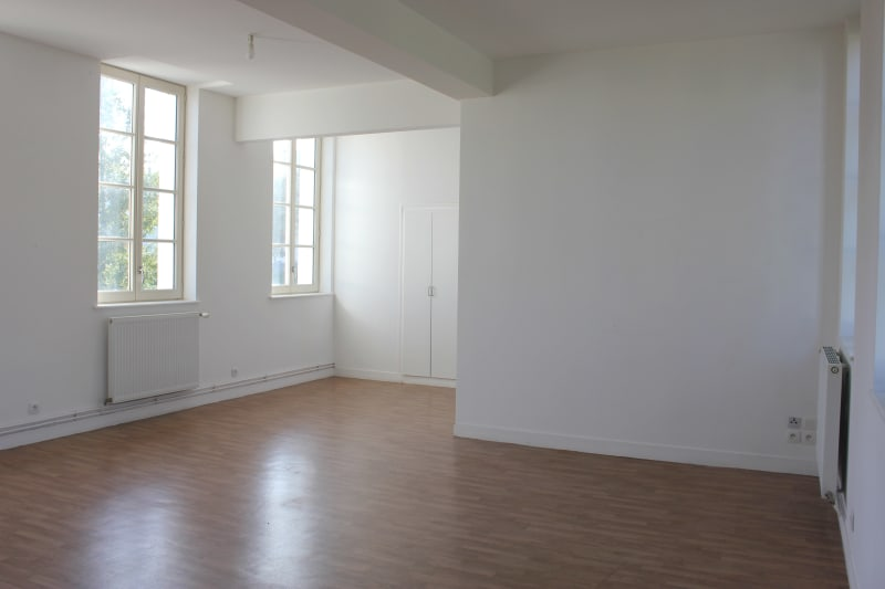 Appartement F3 très lumineux à louer proche de la seine à Elbeuf - Image 3