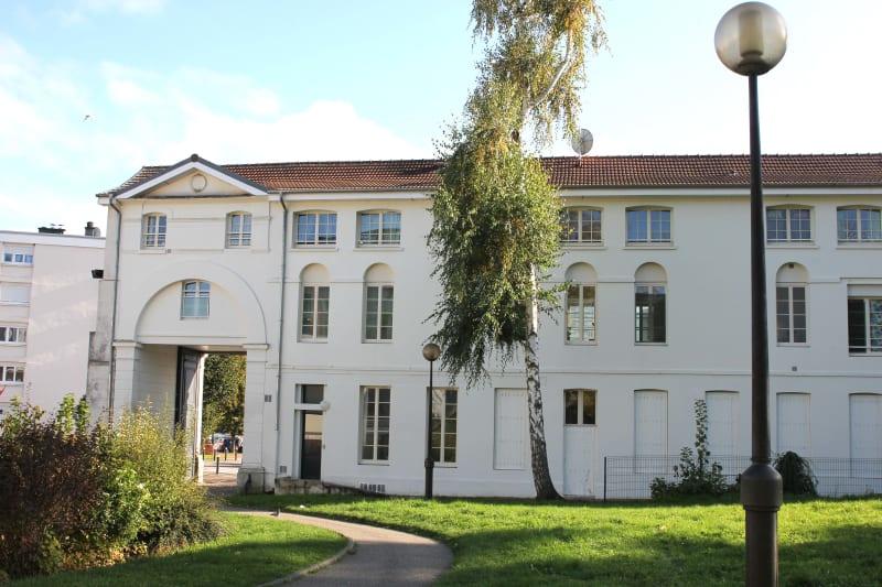 Appartement F4 très lumineux à louer proche de la seine à Elbeuf - Image 2
