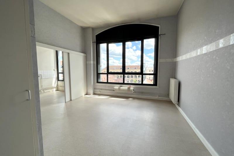 Grand studio avec cuisine séparée, Quartier IUT et des lycées d'Elbeuf - Image 2