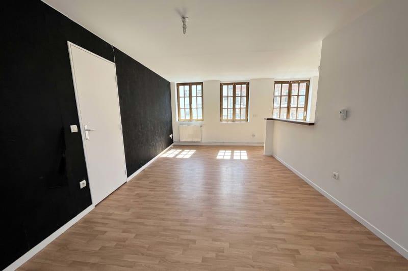 Appartement F3 à louer en plein centre-ville d'Elbeuf - Image 2