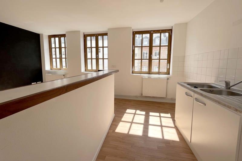 Appartement F3 à louer en plein centre-ville d'Elbeuf - Image 3