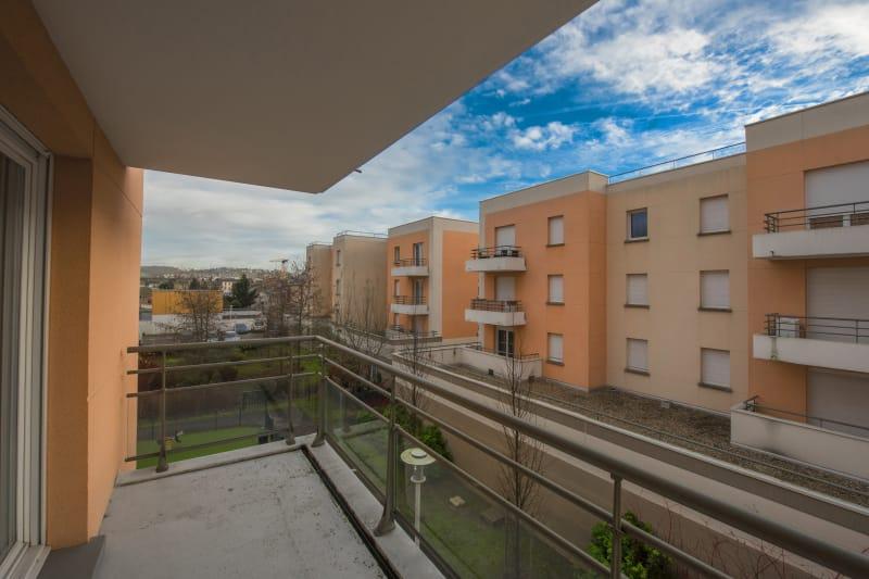 F4 récent de 82 m² Proche Métro Jean-Jaurès au Petit-Quevilly - Image 5