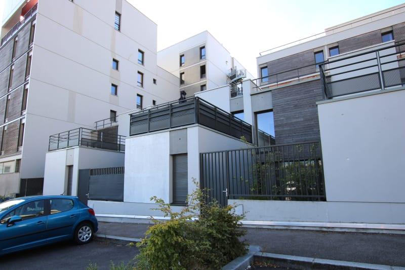 Maison avec cour à Rouen au pied des transports en commun - Image 1