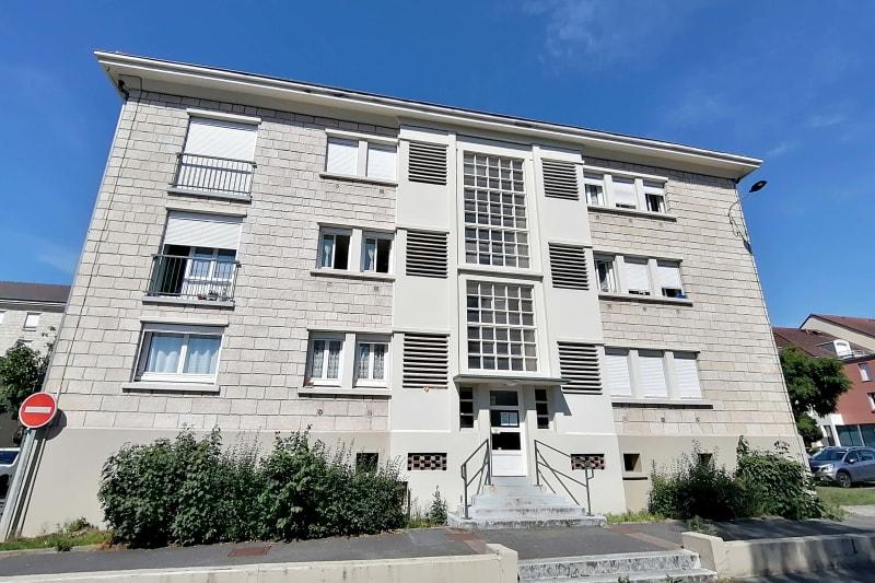 Appartement en location F4 au centre-ville de Barentin - Image 1