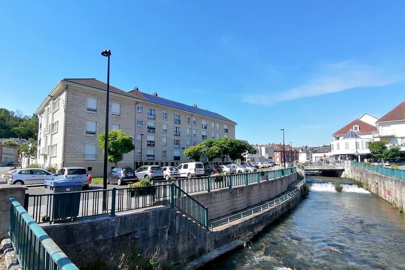 Appartement en location F4 au centre-ville de Barentin - Image 2