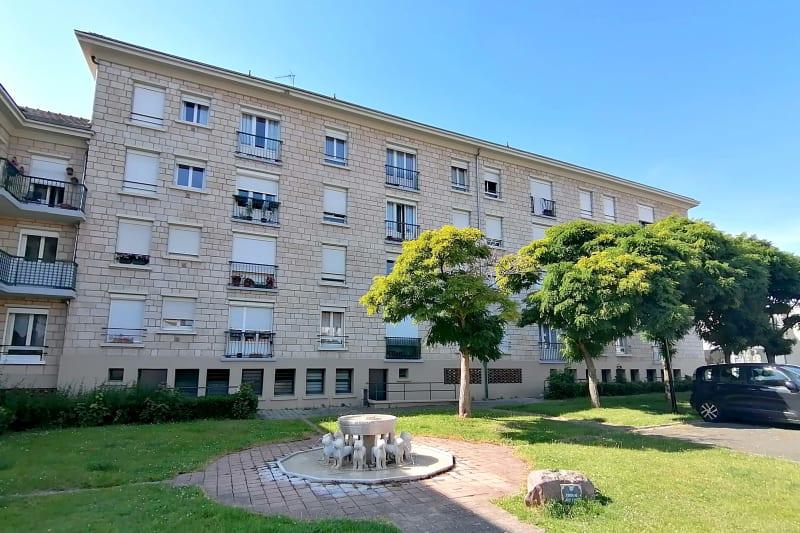Appartement en location F4 au centre-ville de Barentin - Image 3