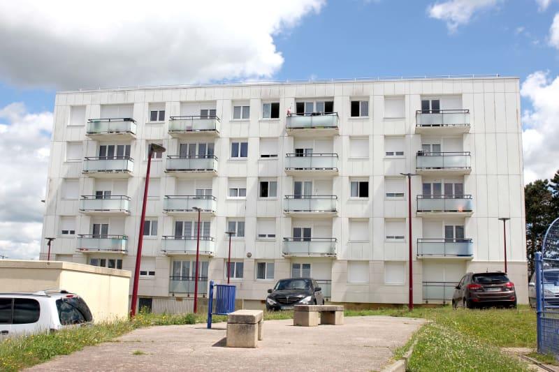 Appartement studio en location dans un quartier résidentiel à Bolbec - Image 1