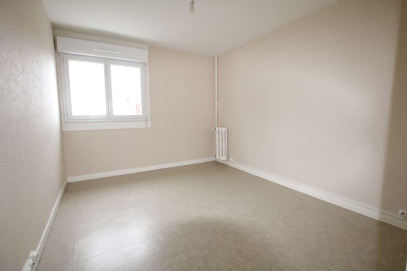 Appartement T5 à louer dans un quartier résidentiel à Bolbec - Image 8