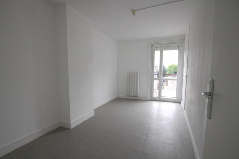 Appartement F4 en location proche du centre-ville de Rives en Seine - Image 4