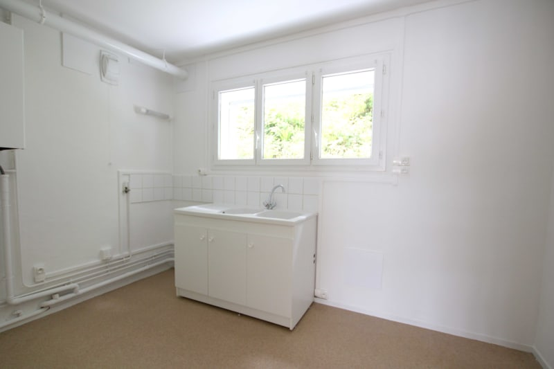 Appartement de 3 pièces à Rives en Seine, proche du collège - Image 3