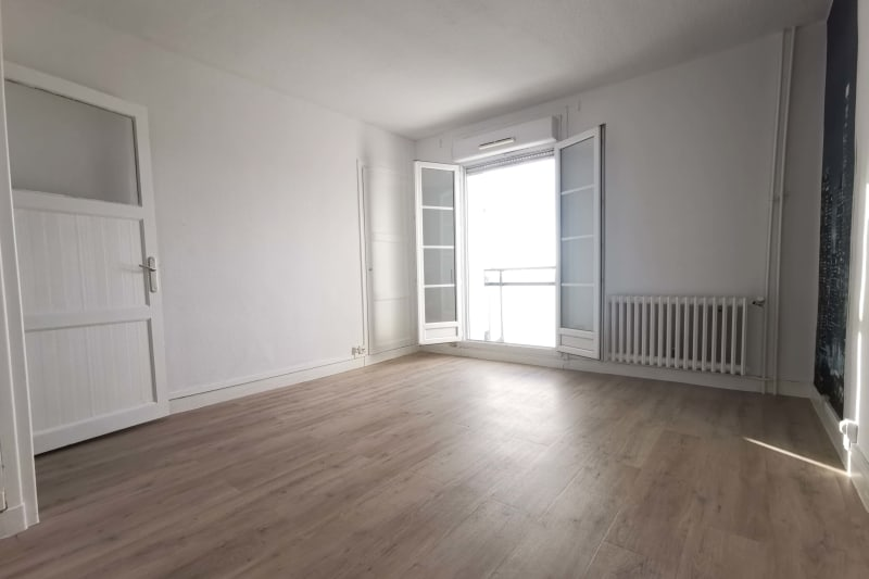 Grand appartement F3 à louer à Déville-lès-Rouen - Image 4