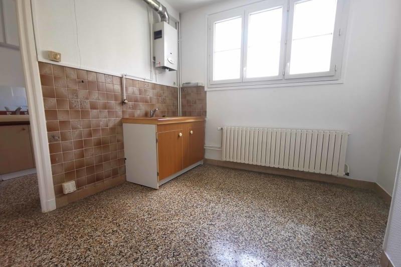 Grand appartement F3 à louer à Déville-lès-Rouen - Image 5
