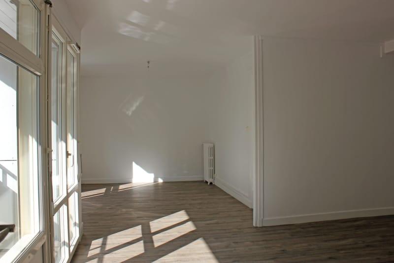 Appartement de 3 chambres refait à neuf. Plein centre d'Elbeuf : à deux pas des commerces - Image 1