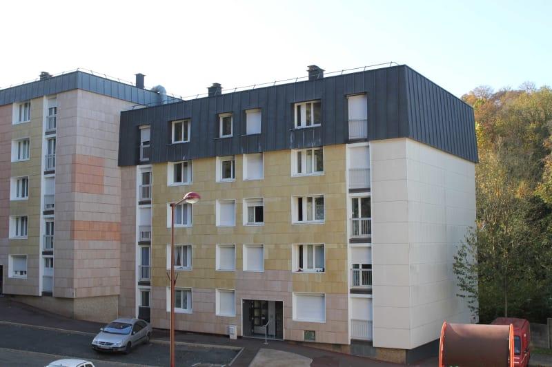 Appartement studio en location à Elbeuf dans un cadre verdoyant - Image 1