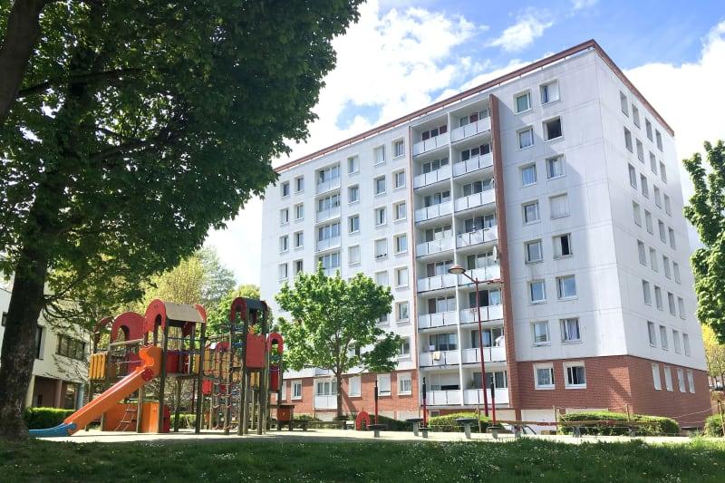 3 pièces avec nombreux espaces verts à Elbeuf - Image 1