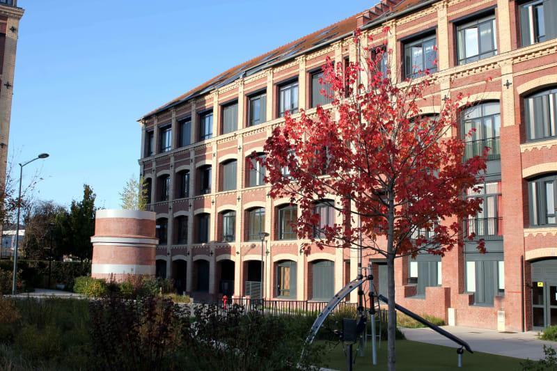 Duplex en plein centre d'Elbeuf proche de l'IUT dans un bâtiment chargé d'Histoire - Image 1