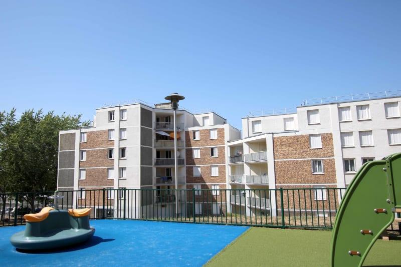 Appartement T4 en location à Grand-Couronne - Image 1