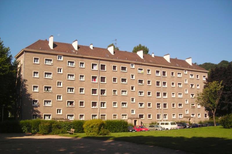Plein centre de Lillebonne - Image 1