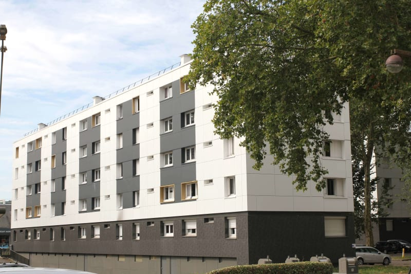 Grand appartement T4 en location à Maromme, proche du centre-ville - Image 2