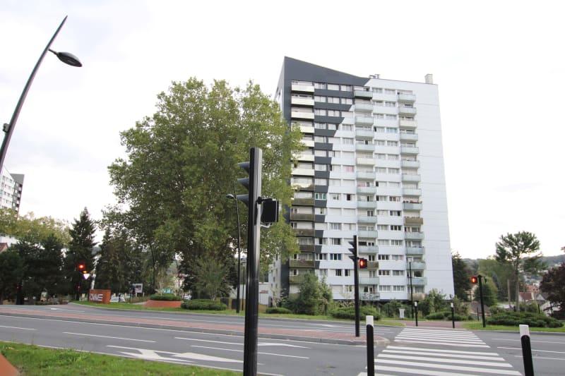 Appartement T4 à louer à Maromme avec vue - Image 1