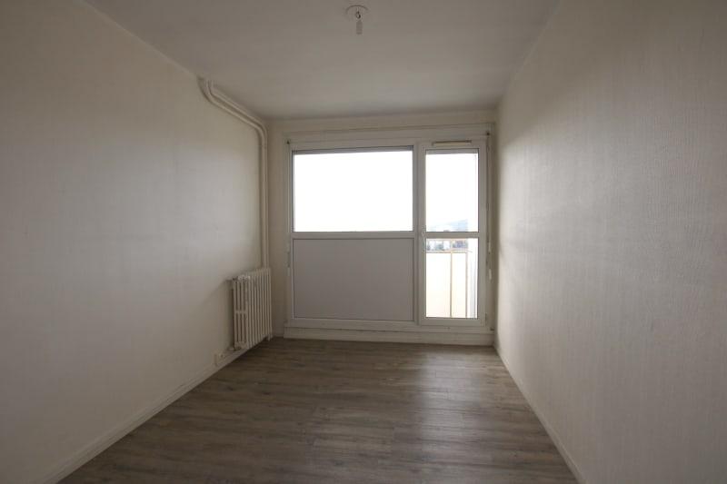 Appartement T4 à louer à Maromme avec vue - Image 4