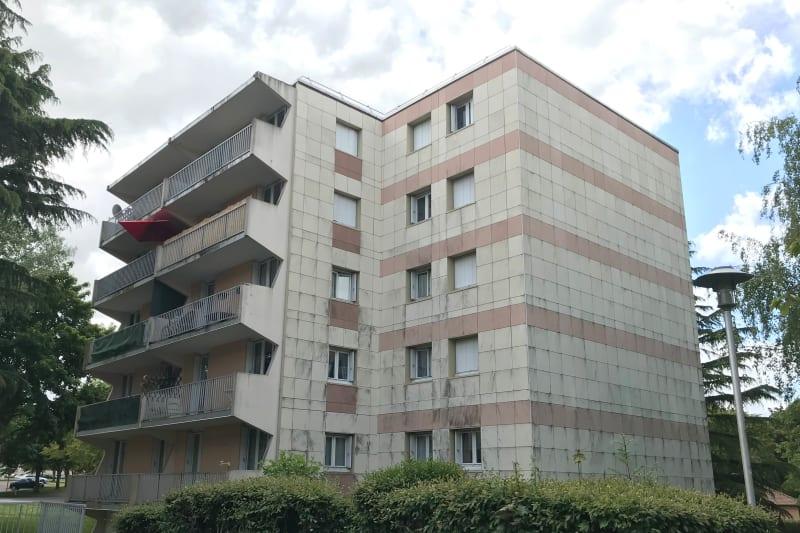Appartement lumineux dans un cadre verdoyant à Mont-St-Aignan - Image 2