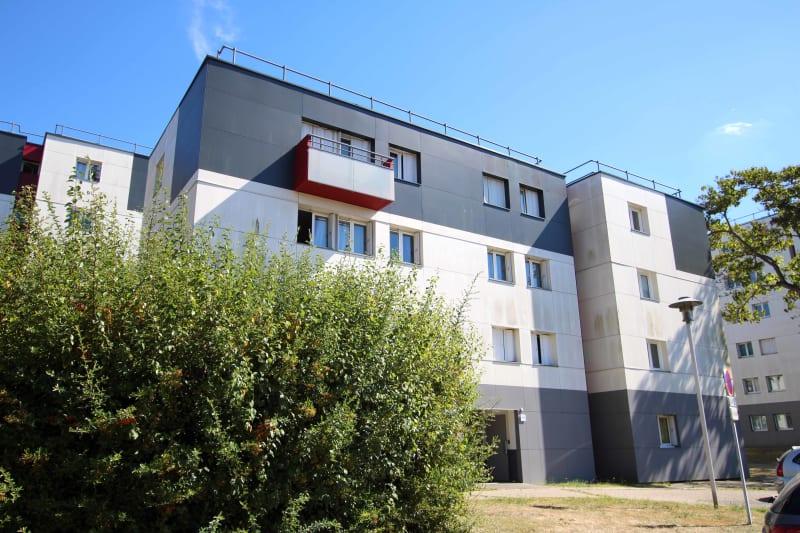 3 pièces à Petit-Couronne dans un quartier résidentiel - Image 1