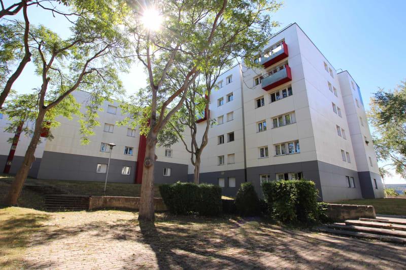 3 pièces à Petit-Couronne dans un quartier résidentiel - Image 2