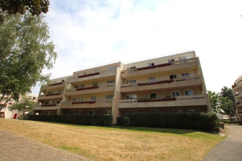 F3 avec grande terrasse à St-Aubin-les-Elbeuf - Image 2