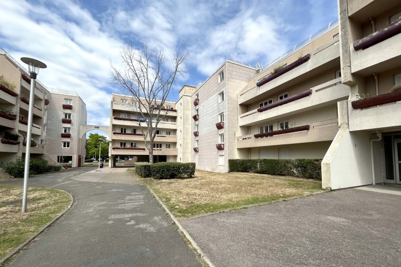 T3 avec grande loggia à St-Aubin-les-Elbeuf - Image 2