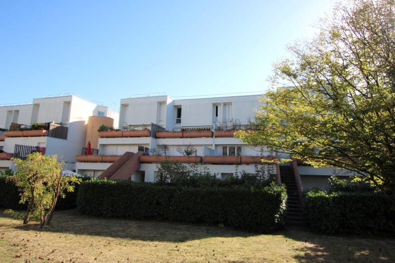 Appartement lumineux proche du Complexe sportif à St Etienne du Rouvray - Image 1