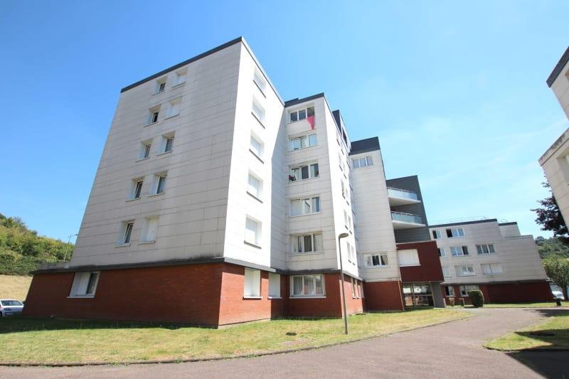 Centre-ville de St-Léger-du-Bourg-Denis, T4 avec vue dégagée - Image 1