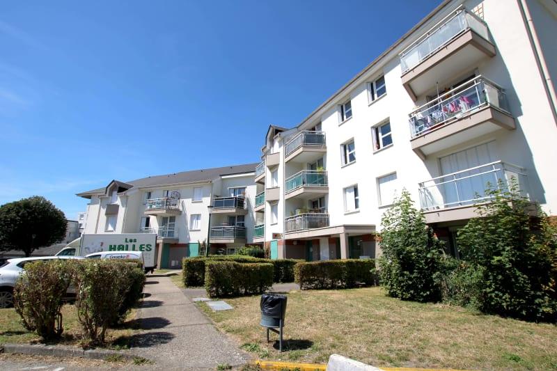 Centre-ville de St-Léger-du-Bourg-Denis, T3 avec vue dégagée - Image 1