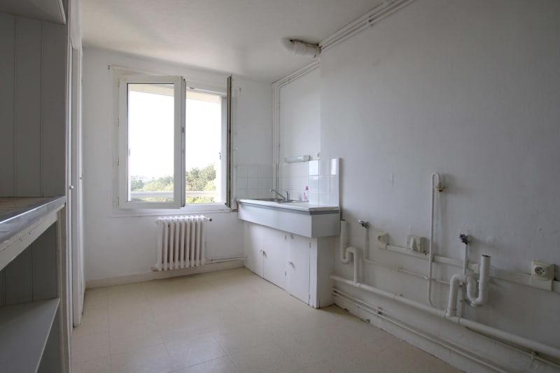 Appartement T4 en location à Saint-Valéry-en-Caux, vue sur les côtes - Image 3