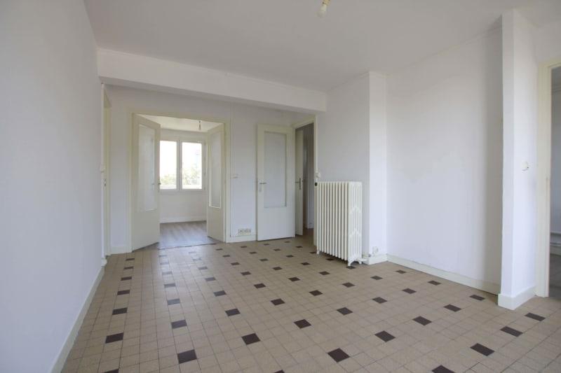 Appartement T3 à louer à Saint-Valéry-en-Caux, vue sur les côtes - Image 2