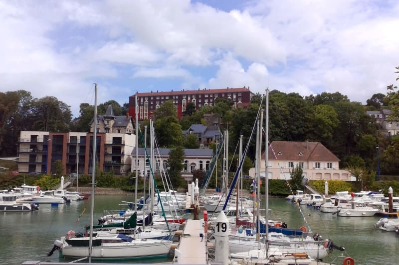 Appartement T3 à louer à Saint-Valéry-en-Caux avec vue sur port - Image 3