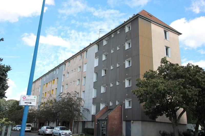T4 à Sotteville-lès-Rouen à proximité du bus F3 - Image 1