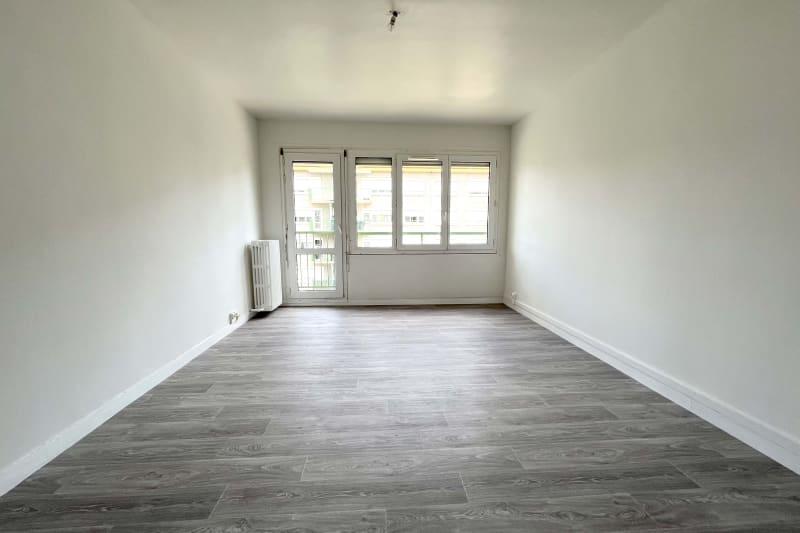 Appartement T4 en location à Sotteville-Lès-Rouen dans le quartier des Bruyères - Image 2