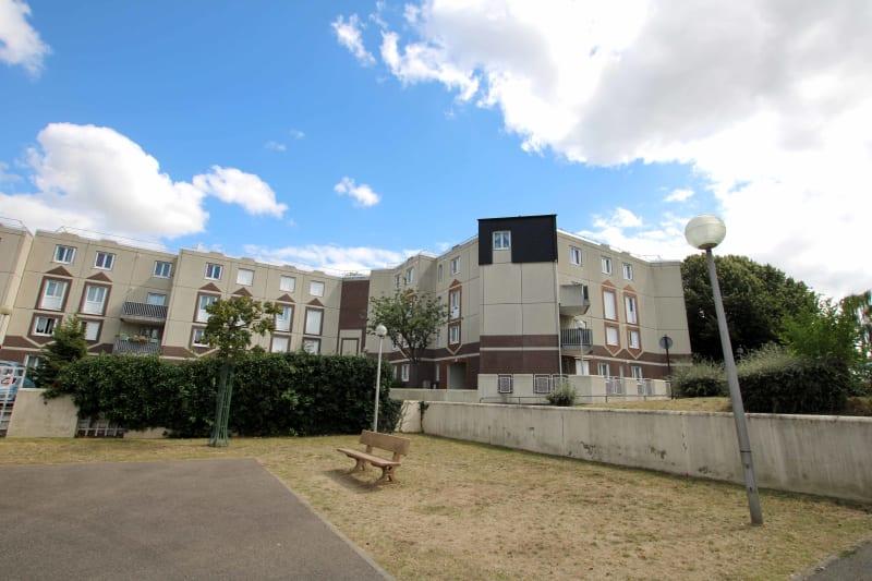 Appartement T3 dans une résidence proche du parc du Madrillet à Sotteville-lès-Rouen - Image 4