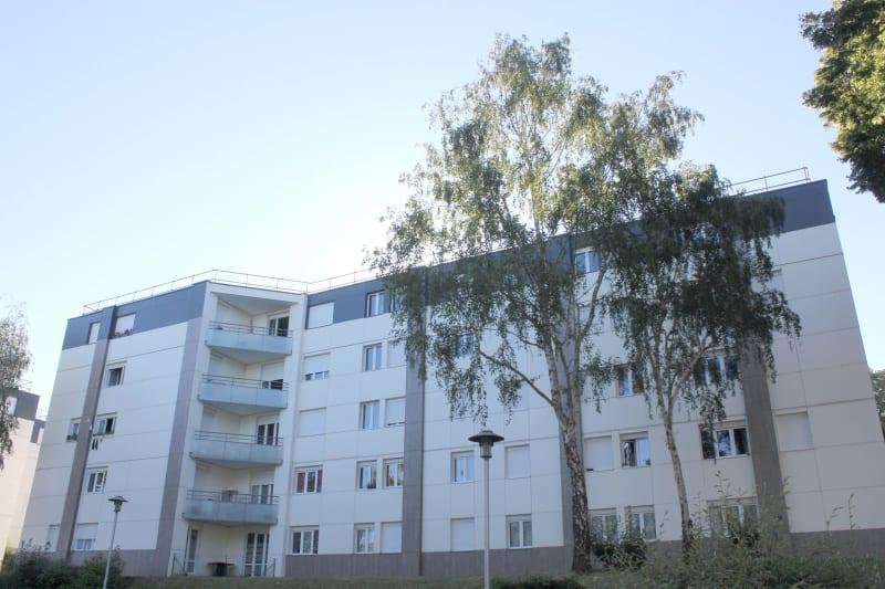 Quartier Village Est - Tourville-la-rivière : T4 dans résidence réhabilitée - Image 1