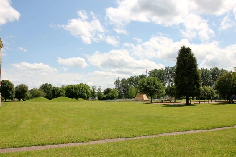 Résidence proche de la mairie dans un cadre verdoyant au Trait - Image 3
