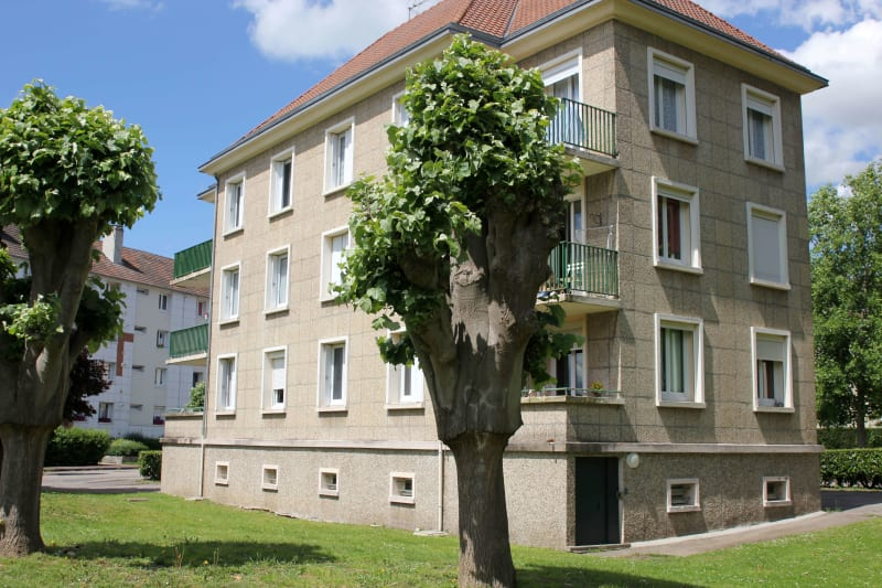 Appartement T3 en location au Trait, proche de la mairie - Image 1