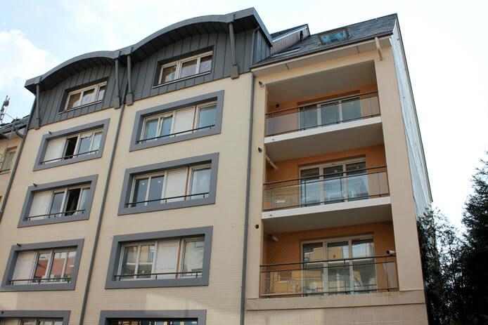 F3 à Rouen Rive-Gauche dans une résidence moderne - Image 1