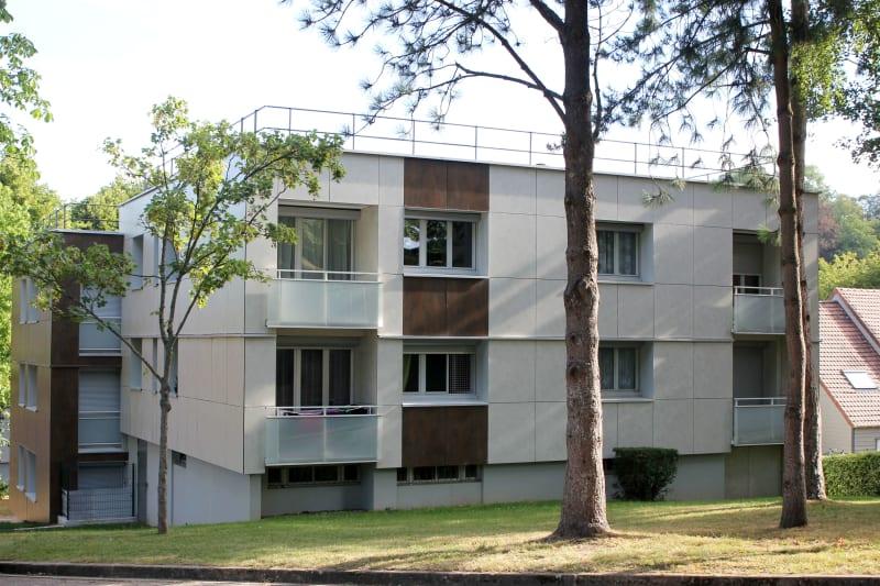 Appartement T5 en location à Auffay, proche du centre-ville - Image 1