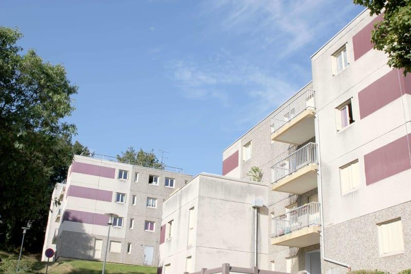 Appartement studio à louer à Auffay, à 2 min. du centre-ville - Image 2