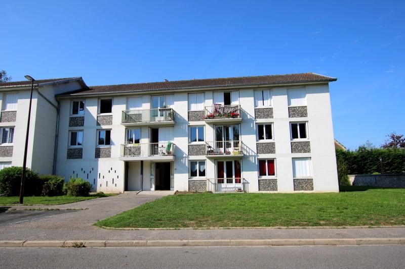 T4 proche du centre-ville de Cany-Barville - Image 3