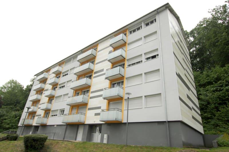 Appartement T4 à louer à Rives en Seine, proche du collège - Image 1